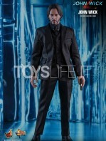 hot-toys-john-wick-2-john-wick-sixth-scale-figure-toyslife-06