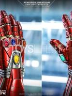 hot-toys-marvel-avengers-endgame-ironman-nano-gauntlet-lifesize-replica-toyslife-03