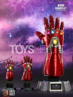 hot-toys-marvel-avengers-endgame-ironman-nano-gauntlet-lifesize-replica-toyslife-07