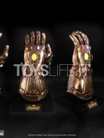 hot-toys-marvel-avengers-infinity-war-infinity-gauntlet-life-size-replica-toyslife-04