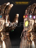 hot-toys-marvel-avengers-infinity-war-infinity-gauntlet-life-size-replica-toyslife-05