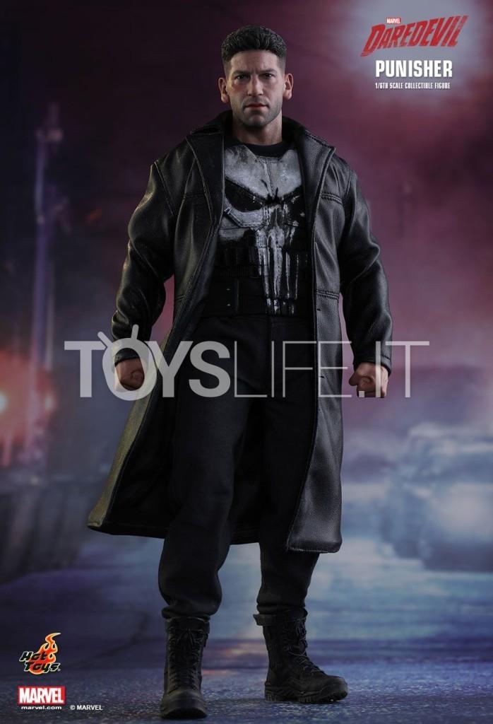 Hot Toys Daredevil The Punisher Frank Castle 1 6 Figure