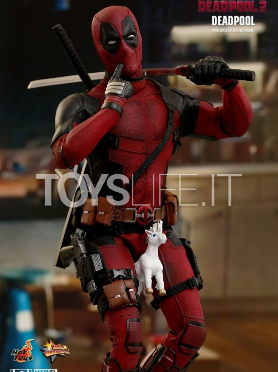 hot-toys-marvel-deadpool-2-deadpool-figure-toyslife-icon