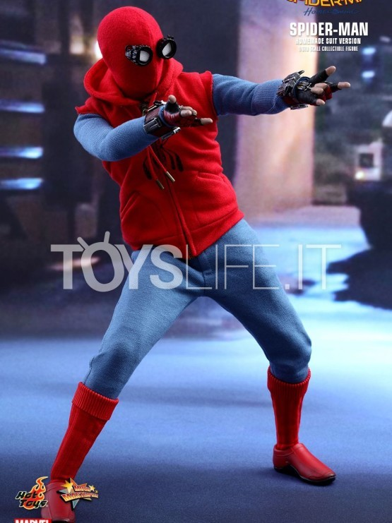Hot Toys Marvel Spiderman Homecoming Homemade Suit Version