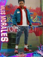 hot-toys-marvel-spiderman-into-the-spiderverse-miles-morales-1:6-figure-toyslife-01