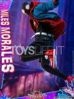 hot-toys-marvel-spiderman-into-the-spiderverse-miles-morales-1:6-figure-toyslife-03