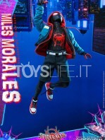 hot-toys-marvel-spiderman-into-the-spiderverse-miles-morales-1:6-figure-toyslife-04