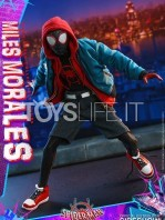hot-toys-marvel-spiderman-into-the-spiderverse-miles-morales-1:6-figure-toyslife-06
