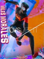 hot-toys-marvel-spiderman-into-the-spiderverse-miles-morales-1:6-figure-toyslife-09