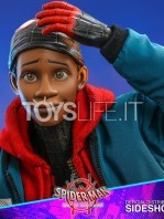 hot-toys-marvel-spiderman-into-the-spiderverse-miles-morales-1:6-figure-toyslife-13