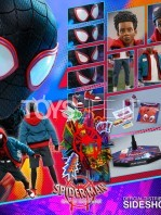 hot-toys-marvel-spiderman-into-the-spiderverse-miles-morales-1:6-figure-toyslife-17