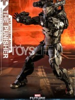 hot-toys-marvel-the-punisher-war-machine-armor-figure-tosylife-03