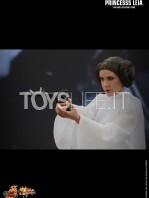 hot-toys-princess-leia-toyslife-04