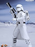hot-toys-snowtrooper-first-order-toyslife-01