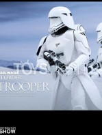 hot-toys-snowtrooper-first-order-toyslife-04