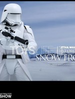 hot-toys-snowtrooper-first-order-toyslife-05