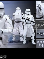 hot-toys-snowtrooper-first-order-toyslife-07