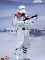 hot-toys-snowtrooper-officer-first-order-toyslife-02