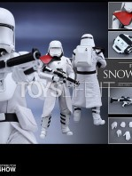 hot-toys-snowtrooper-officer-first-order-toyslife-07