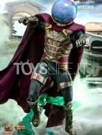 hot-toys-spiderman-far-from-home-mysterio-1:6-figure-toyslife-05