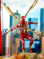 hot-toys-spiderman-iron-spider-1:6-figure-toyslife-04