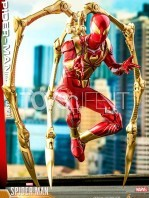 hot-toys-spiderman-iron-spider-1:6-figure-toyslife-05