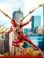 hot-toys-spiderman-iron-spider-1:6-figure-toyslife-08