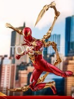 hot-toys-spiderman-iron-spider-1:6-figure-toyslife-09