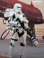 hot-toys-star-wars-awakens-flametrooper-toyslife-01