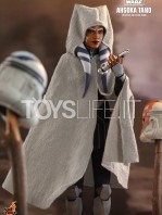 hot-toys-star-wars-the-clone-wars-ahsoka-tano-1:6-figure-toyslife-06