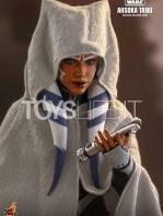hot-toys-star-wars-the-clone-wars-ahsoka-tano-1:6-figure-toyslife-07