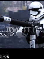 hot-toys-star-wars-the-force-awakens-first-order-heavy-gunner-stormtrooper-toyslife-05