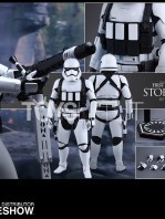 hot-toys-star-wars-the-force-awakens-first-order-heavy-gunner-stormtrooper-toyslife-06