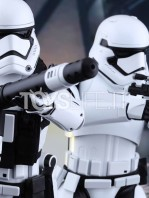 hot-toys-star-wars-the-force-awakens-first-order-stormtroopers-toyslife-icon