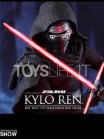 hot-toys-star-wars-the-force-awakens-kylo-ren-toyslife-05
