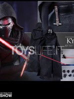 hot-toys-star-wars-the-force-awakens-kylo-ren-toyslife-07