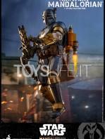 hot-toys-star-wars-the-mandalorian-heavy-infantry-1:6-figure-toyslife-06