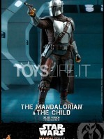 hot-toys-star-wars-the-mandalorian-the-mandalorian-and-the-child-deluxe-figure-toyslife-04