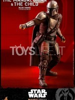 hot-toys-star-wars-the-mandalorian-the-mandalorian-and-the-child-deluxe-figure-toyslife-05
