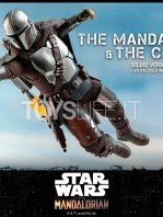 hot-toys-star-wars-the-mandalorian-the-mandalorian-and-the-child-deluxe-figure-toyslife-07