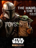 hot-toys-star-wars-the-mandalorian-the-mandalorian-and-the-child-deluxe-figure-toyslife-10