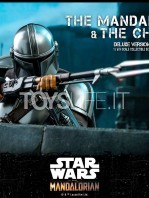 hot-toys-star-wars-the-mandalorian-the-mandalorian-and-the-child-deluxe-figure-toyslife-14