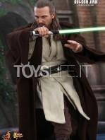 hot-toys-star-wars-the-phantom-menace-qui-gon-jinn-figure-toyslife-05