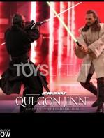 hot-toys-star-wars-the-phantom-menace-qui-gon-jinn-figure-toyslife-11
