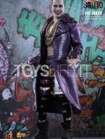 hot-toys-suicide-squad-joker-purple-coat--sixth-scale-toyslife-02