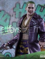 hot-toys-suicide-squad-joker-purple-coat--sixth-scale-toyslife-09
