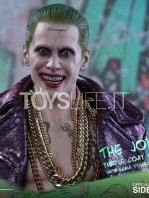 hot-toys-suicide-squad-joker-purple-coat--sixth-scale-toyslife-10