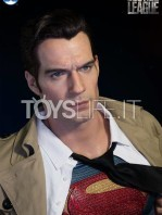 infinity-studio-dc-justice-league-supeman-lifesize-bust-toyslife-06