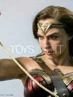 infinity-studio-dc-justice-league-wonder-woman-lifesize-bust-toyslife-01