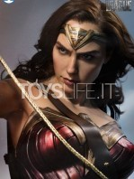 infinity-studio-dc-justice-league-wonder-woman-lifesize-bust-toyslife-07